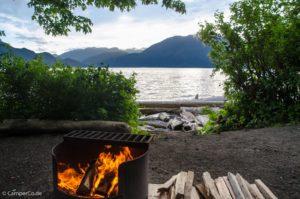 Feuerstelle in Provincial Park in British Columbia