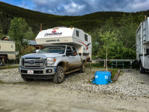 Campsite auf dem Goldrush Campground in Dawson City
